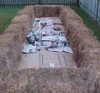 straw bail gardening   STRAW BALE GARDEN   kitchen garden layouts