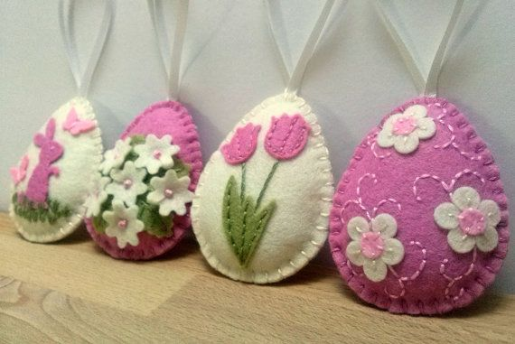 Felt easter decoration - felt eggs with flowers and bunny / set of 4 - ivory and pink
