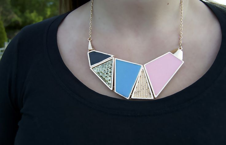 We love this gorgeous statement necklace!  Buy it now! http://www.juneberrybox.com/product/geometric-statement-necklace/