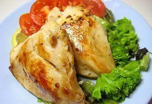 Такими сочными куриные грудки у меня еще не получались… Любимое блюдо для мультиварки!