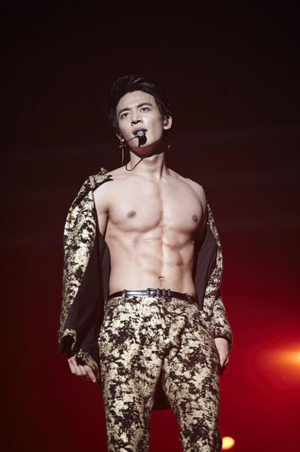 Choi Minho de Shinee. Super sexy