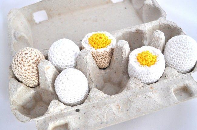 Jedzenie szydełkowe - Jajka 6 szt. - 100% bawełna  w Cotton Art Wood  - rękodzieło z naturalnej bawełny i drewna  na DaWanda.com