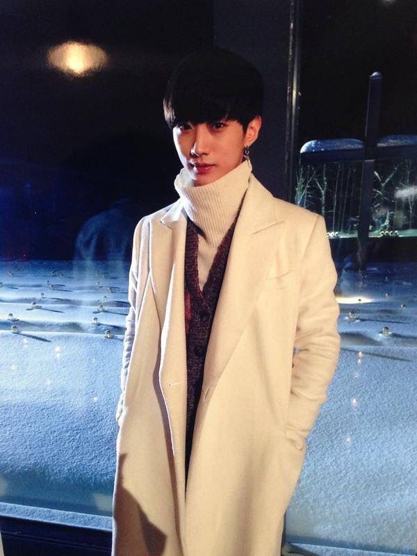 진영❤ White Miracle