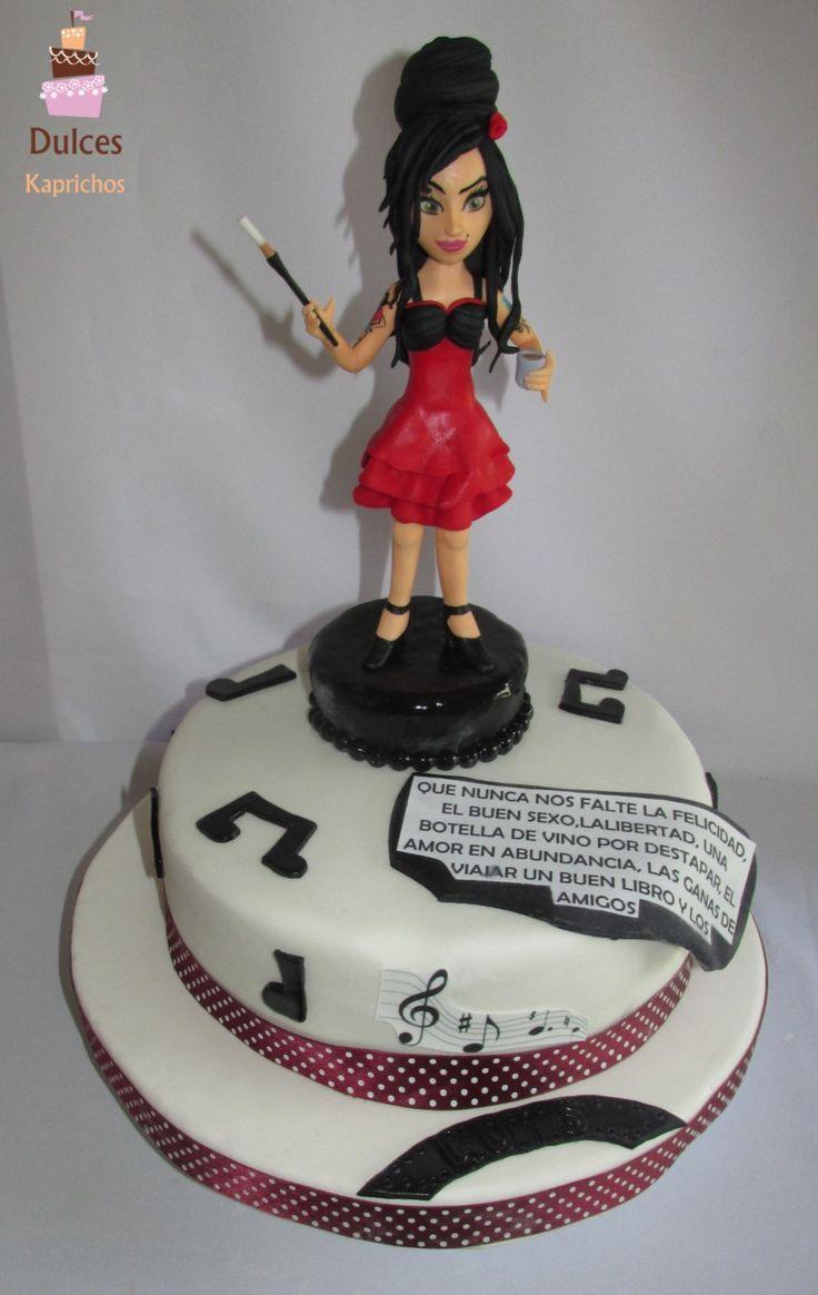 Torta Amy Winehouse #TortaAmyWinehouse #TortasDecoradas #DulcesKaprichos