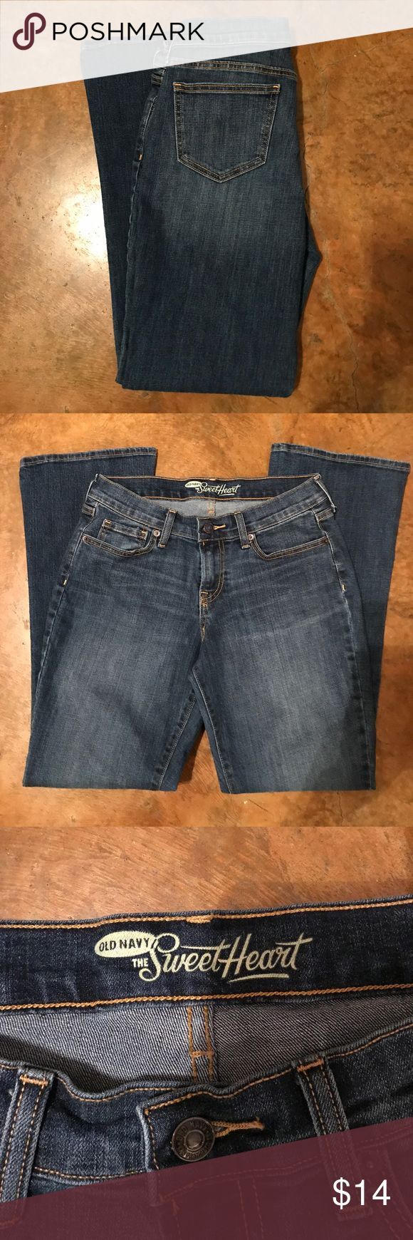 💥SALE💥 Old Navy boot cut Sweetheart jeans 👖 GUC (really closer to EUC) women's Old Navy Sweetheart boot cut jeans. Size 6. Old Navy Jeans Boot Cut