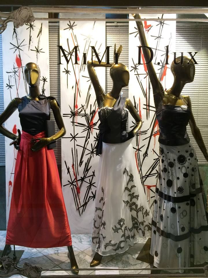 MIMI D.lux fashion & beauty boutique window display Dec 2015