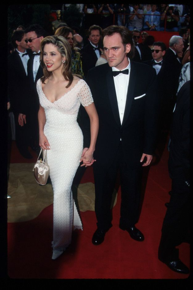 Mira Sorvino walked the carpet with her then-boyfriend, Quentin Tarantino. | 31 Reminders Of How Fantastically Different The Oscars Were 20 Years Ago