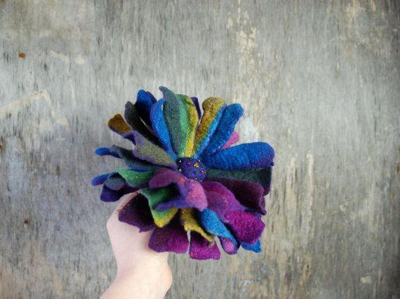 Vilten bloem broche, Gevilte pin, voelde bloem broche roze, blauw, paars, groen, multicolor Gevilte kunst merinoswol broche voelde sieraden
