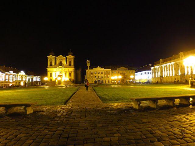 Timisoara Travel Guide: Unirii Square