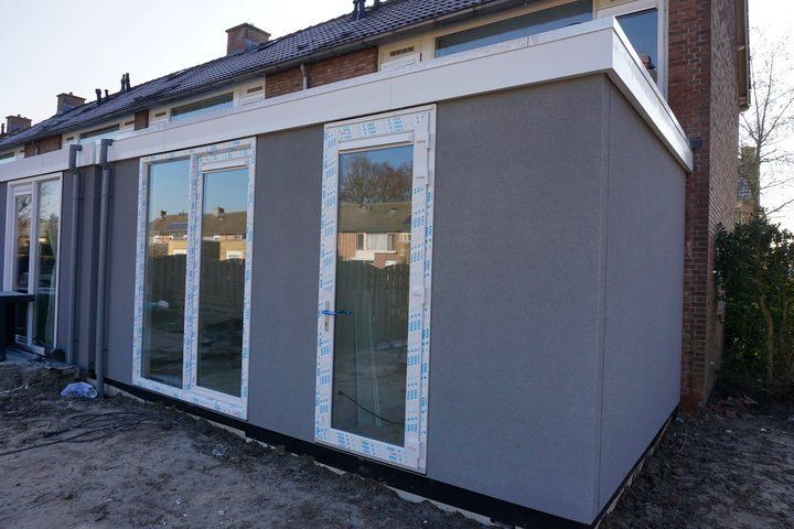 MgO boards used in prefabricated panels and in the floor of this extension project of existing terraced houses in Halsteren, The Netherlands.