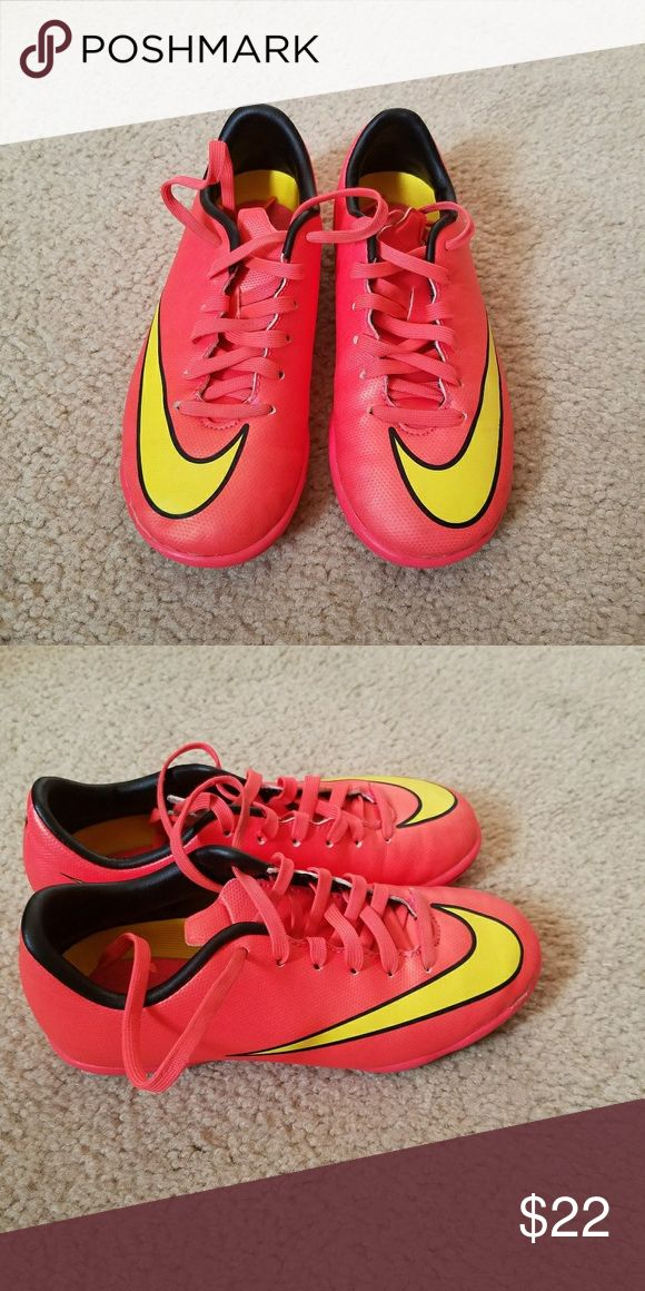 Indoor soccer shoes Orange indoor soccer shoes. Great conditions, used only couple times, clean, smoke free and cheap. Nike Shoes