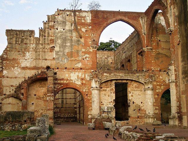 Monasterio de San Francisco, Santo Domingo, Dominican Republic- SO much history in this city