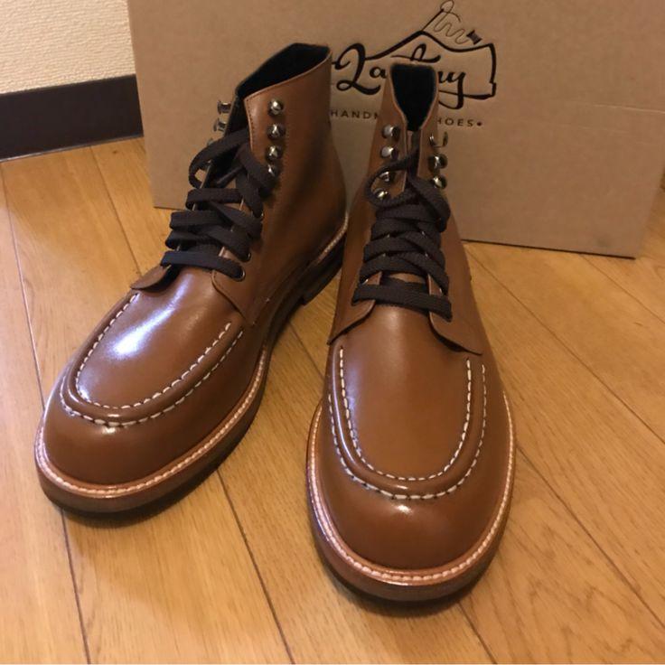 お仕事でのビジネススーツから、カジュアルなコットンスーツ、ジャケットスタイルにもしっかりコーディネイトできるところも木型靴の人気の魅力です。  韓国ファッショントレンド 国際送料はてラストミーが負担します。  jp.lastmy.com #lastmy #ラストミー #靴 #革靴 #ショップ #靴屋 #韓国製 #ドレスシューズ #靴好き #オーダー #靴修理 #シューズリペア #メンテナンス #クリーニング #染替え #靴磨き #足元俱楽部 #足元クラブ #メンズファッション #ビジネススタイル #followme #ランチ #ありがとう #可愛い