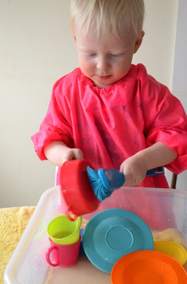 Water Play Ideas for Toddlers.. Great idea Jonathan loves to watch me do dishes