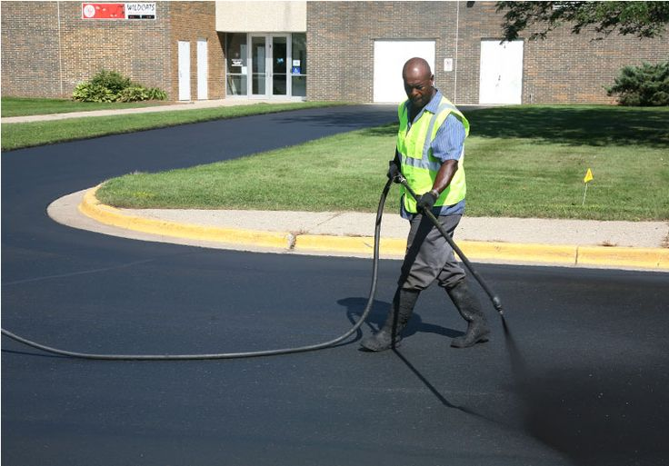 The Greater Toronto Area's top pavement maintenance and repair company, is offering its expert opinion on procedures and measures that should be considered when paving or sealcoating a surface. http://www.prweb.com/releases/lists-dos-and-donts/of-paving-and-sealcoating/prweb12104407.htm