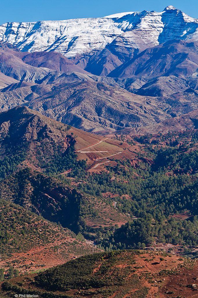 標高は最高2,320m。アトラス山脈。
