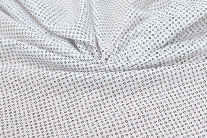 Блузочная ткань  арт. 12-003-1853 Ширина: 150 см, плотность: 100г/м2 Состав ткани: 100% хлопок Назначение: Блузки, рубашки #хлопок#белый#кружочки#горошки#tutti-tessuti