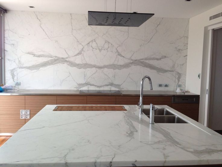 Statuario Venato Book Matched Splash Back With Statuario