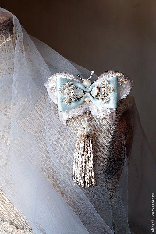"""Купить Брошь-кулон """" Прибалтийская красавица"""" - белый, брошь, бабочка, брошь-бабочка"""