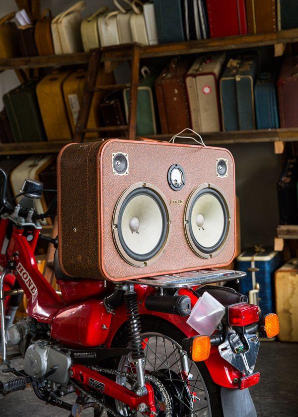 Custom JukeCase with customised postie bike by Postmodern Motorcycles. Photo - Sean Fennessy.