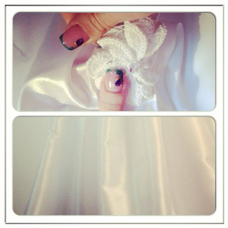 A rasarit primul ghiocel in atelierul nostru! - lucram cu drag la prima rochie de mireasa :D #moenra#wedding#dress