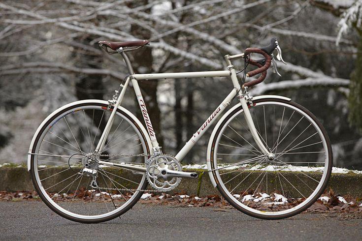 Vanilla Cycles Cream Road bike
