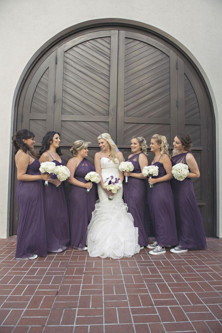Bridesmaids in converse에 관•œ 상위 25개 이상의 Pinterest 아이디어