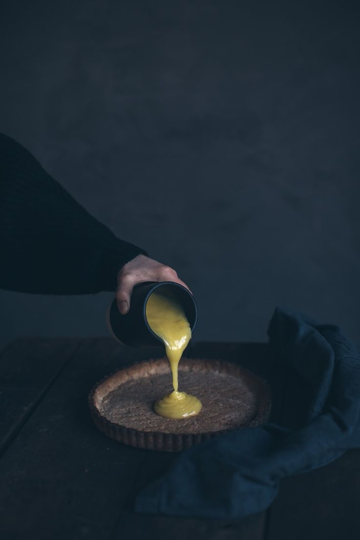 Glutenfree Lemon Tart with homemade Lemon Curd