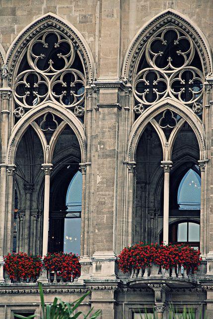 WayneKorea. 2011, 4th August . Gothic architecture. Flickr..https://www.flickr.com/photos/waynekorea/6314683870/