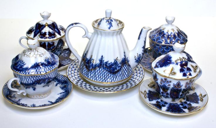 russian china tea cups | 17 - 4 RUSSIAN PORCELAIN DESSERT PLATES - Beautiful blue and white ...