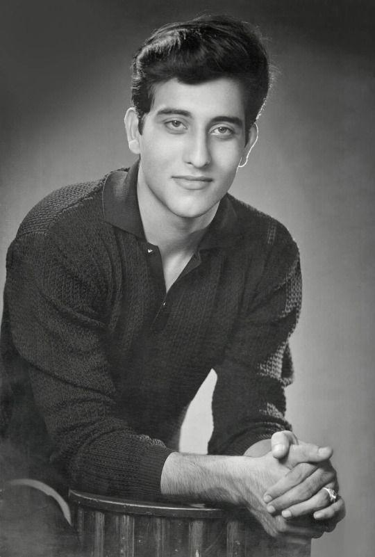 Vinod Khanna - Father of Akshay Khanna
