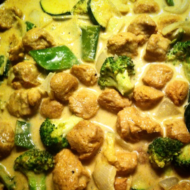 Thai Green Curry with marinated soya chunks and a variety of mixed veggies