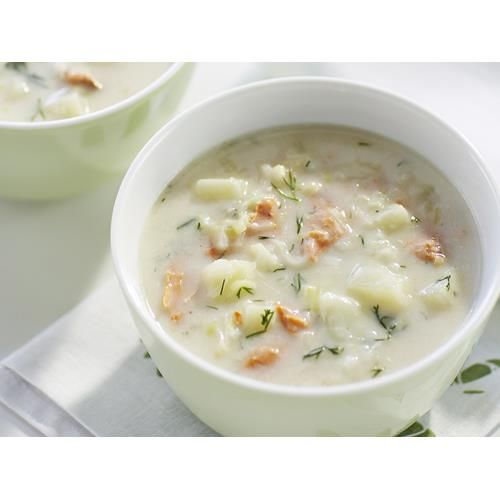 Salmon chowder recipe. Warm up on a cold winter's day with this mouth-watering fish soup that's made with a can of red salmon. It's quick and easy to make and will be ready in less than half an hour.  #Soup #Lunch #Fish  #seafood #Kidfriendly