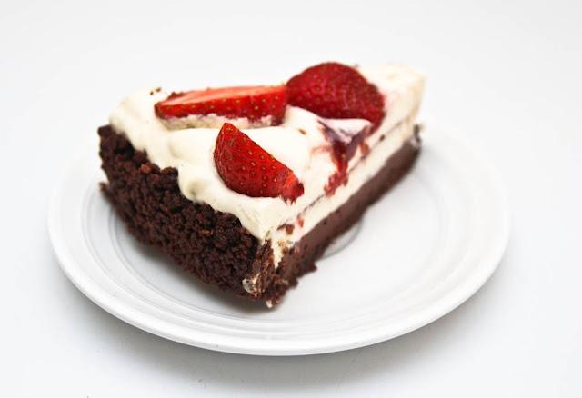 Sernik biało - czekoladowy