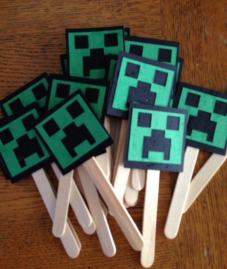 Minecraft cupcake toppers @ StuckonaCloud