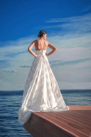 ALKMINI Μοναδικά Νυφικά   Φορέματα www.alkmini.info  a1e876c4836