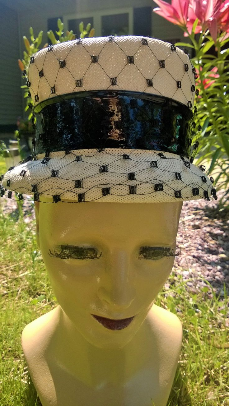 Vintage Black and Cream Hat by SleekYOUnique on Etsy https://www.etsy.com/listing/239328139/vintage-black-and-cream-hat