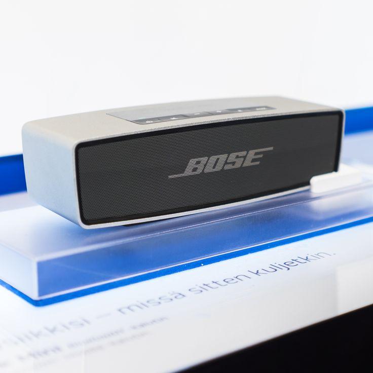 Pieni ja kevyt Bosen Bluetooth -kaiutin toistaa täyteläisen, luonnollisen äänen missä ikinä oletkin! #expertfi #bose