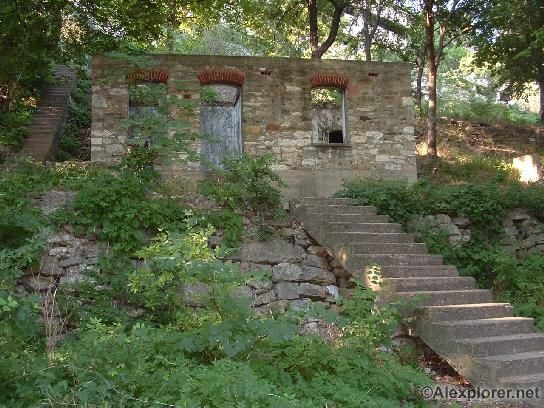 """The """"Hobo Hut""""  Fort Worth, TX"""
