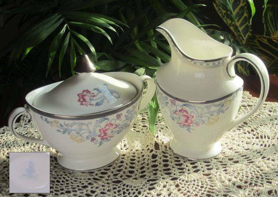 Royal Doulton CANTERBURY H5281 Bone China Creamer with Covered Sugar Bowl