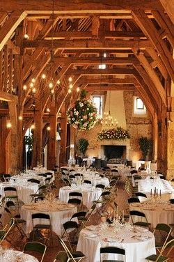 salle de réception, 120 à 450 personnes assises, salle pour mariage, en normandie, dans l'eure avec cheminée.