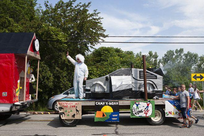 【スライドショー】米オハイオ州で10回目の「ダクトテープ祭り」開催 - WSJ.com