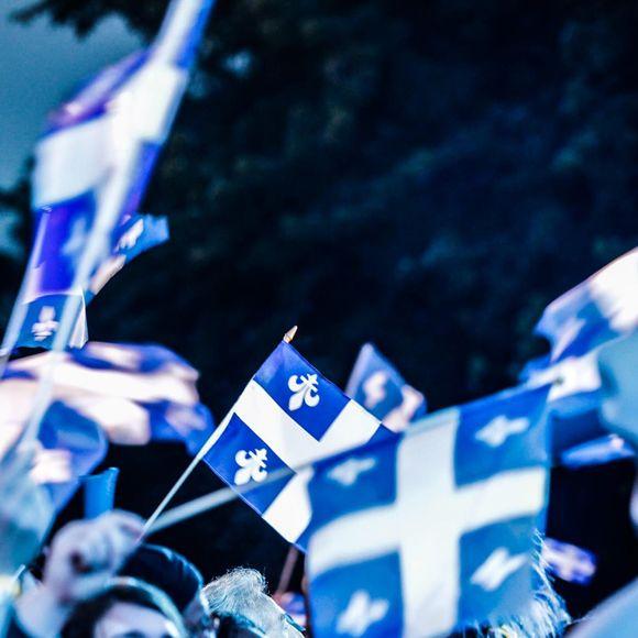 Saint-Jean-Baptiste 2016 - Faites partie du défilé de la Fête nationale du Québec! | HollywoodPQ.com