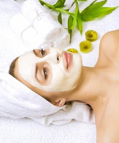 Gesichtsmaske gegen Falten selber machen - Rezept und Anleitung