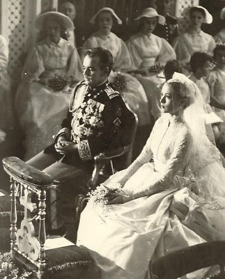 ROYALTY WEDDING PR.RAINIER MONACO & GRACE KELLY PHOTO Condition: good, otherwise see description vintage photo size: 6 x 8 inch WORLDWIDE SHIPPING For all packages over 300 gramms: Shippingcosts insi