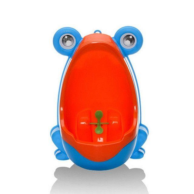 Boy's Training Urinal / Potty Lightweight Suction Cups