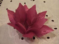 Álbum de fotos de Lótus da Arte em Forminhas, de Patricia Caetano, que cuida da produção artesanal de formas de tecido para doces (forminhas), criando peças personalizadas que conferem um charme todos especial à decoração. Também faz porta-guardanapo.