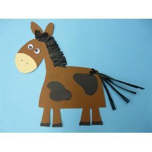 #Pferd basteln, Tiere basteln | ein nettes Pferd aus Karton basteln - eignet sich super für das Basteln im Kindergarten. Die Anleitung gibt's hier: http://www.trendmarkt24.de/bastelideen.basteln-pferd.html#p