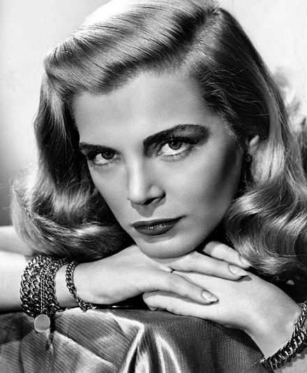 Lizabeth Scott - A brilliant actress from the 40s / 50s who was film noir perfection.