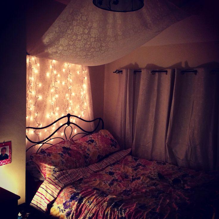 Mer Enn Bra Ideer Om Fairy Light Curtain På Pinterest Pixie - Fairy lights in a bedroom